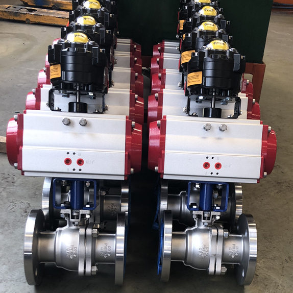 Soft seated ball valve
